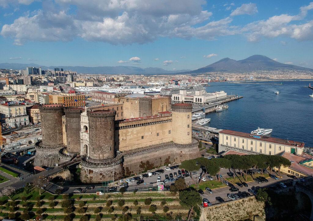 Ryanair più grande a Napoli