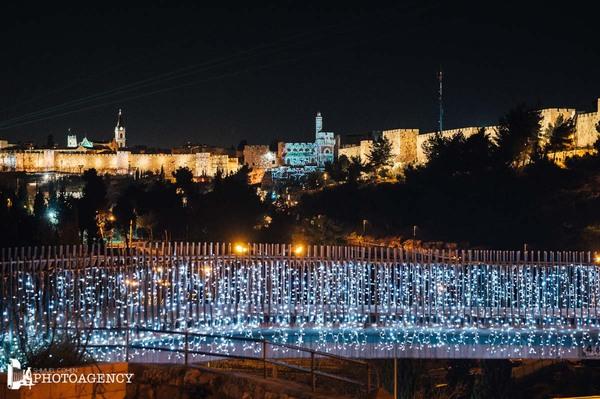 Follow the Lights a Gerusalemme