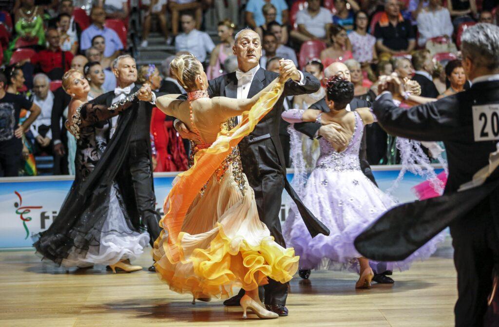 Nella Riviera Romagnola si torna a ballare