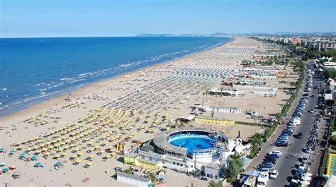Spiagge a misura di turista sulla Riviera Romagnola