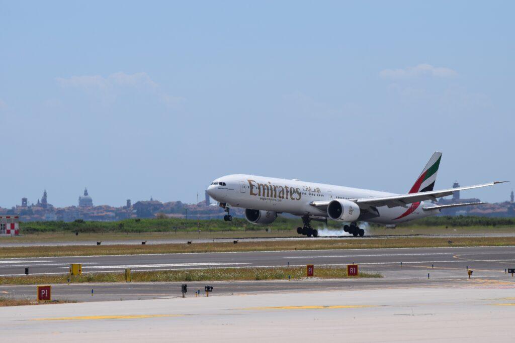 Emirates torna a volare su Venezia