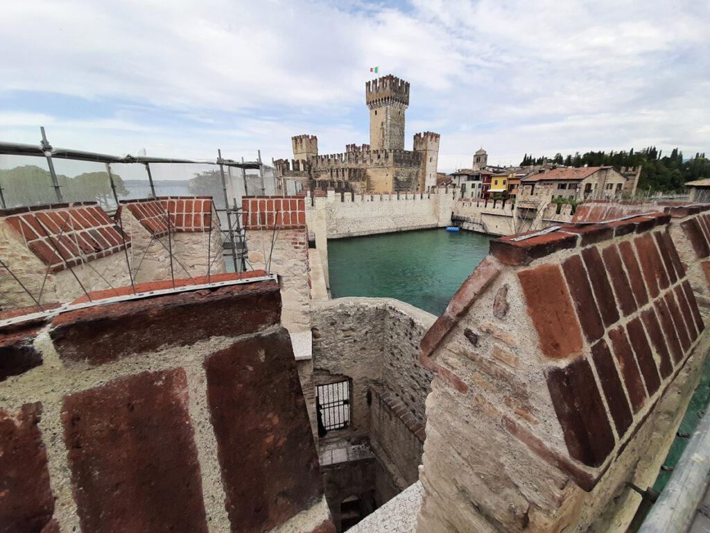 Sirmione: restauro e salvaguardia per l'aspetto turistico